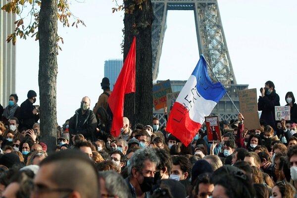 فیلم گرفتن از پلیس فرانسه در حال هجوم یا قتل مردم، جرم است!!